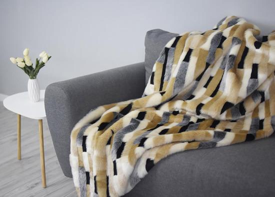 Decorative Faux Fur Set, Bedspread Egyptian Beauty