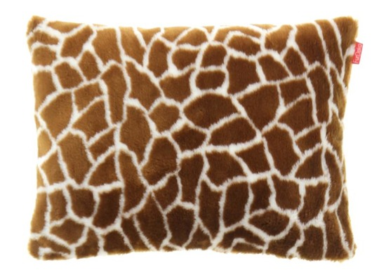 Decorative faux fur pillow GIRAFFE