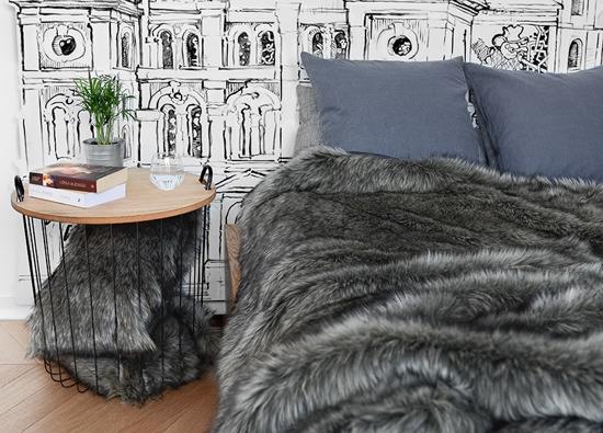 Futrzana poduszka dekoracyjna GRANDE PINI brunatny 40x50 cm